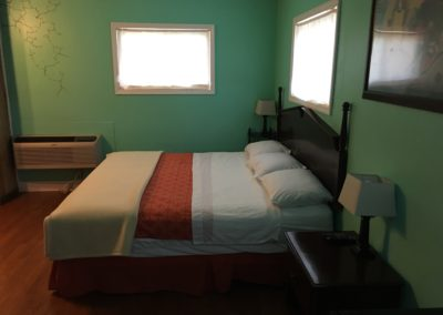 One King bed suite at Dixie (3)